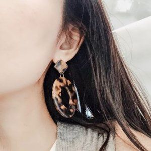 Acrylic Resin Oval Tortoise Earrings